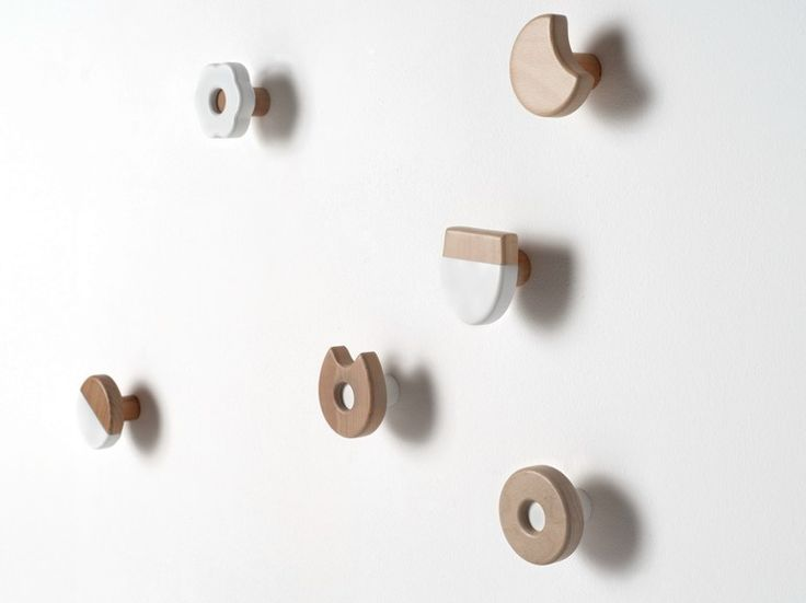 Wall-mounted solid wood coat rack FROLLE by Formabilio design Andrea Brugnera