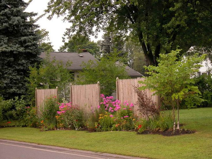 1000 images about front yard landscaping to hide traffic for Creating a small garden