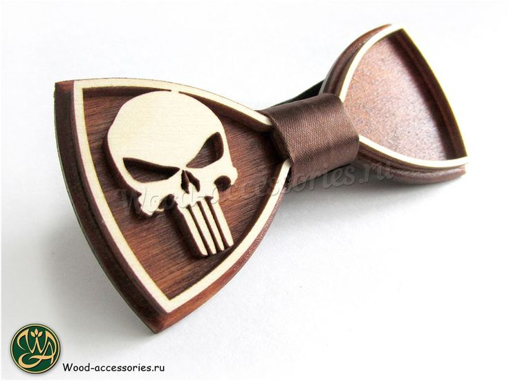☠During the Civil War, the Punisher acted against the Superhero Registration Act. He brought the wounded Spider-Man to the headquarters of the rebels. Many of the rebels were against accepting the Punisher in their ranks and soon drove him out after he killed the two supervillains who joined the resistance. A bow tie with the Punisher symbol can be found on the WoodenAccessoriesRU.etsy.com🔫 ⚔Во время Гражданской Войны Каратель выступал против Акта о регистрации Суперлюдей. Он даже принёс в…