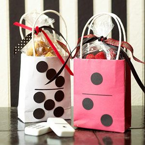 Domino Style Gift Bag - This would be so easy to make.
