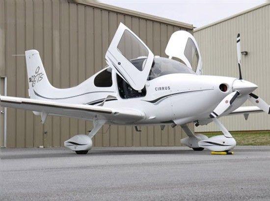 Cirrus SR22-G3 GTS Aircraft - Cirrus SR22-G3 GTS Turbo Aircraft - Max Range: 757 nm, Passengers: 3, Crew: 1 Normal Cruise: 193 kts, Payload: 333 lbs, Ceiling: 25000 ft Cost Per Hour: $249.17