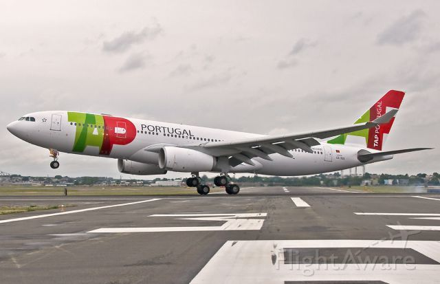 TAP - Air Portugal Touchdown @ KBOS Logan 22L
