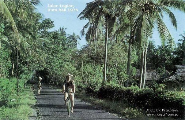 Kuta Bali 1975 www.rudisbalitours.com