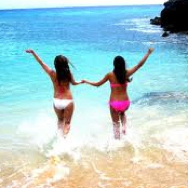 Best Friends At The Beach Nataciaeldridge Tonya Huntbach Planning Our Hawaii Trip