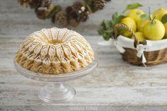 Hoy, un bizcochazo de esos que repito una y mil veces, sobre todo cuando tengo que regalar uno, y es que con este bundt cake de limón sé que acierto siempre