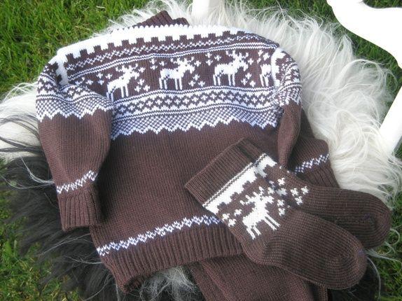 Genser med elgmønster med bukse og sokkar str. 2 år :)