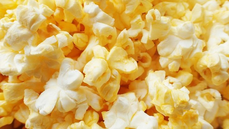 You would need to go swimming for a whole hour to burn off the 400 #calories in a small bag of movie popcorn!🍿🏊