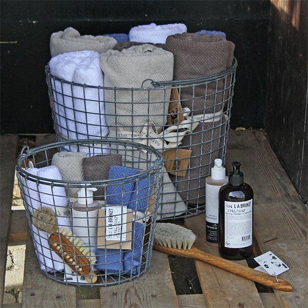 Frotte från Gripsholm i ekologisk bomull, naturliga skönhetsprodukter från L:a Bruket och handgjorda borstar från Iris Hantverk! Detta och mycket mer finns att köpa online hos Hildur.se