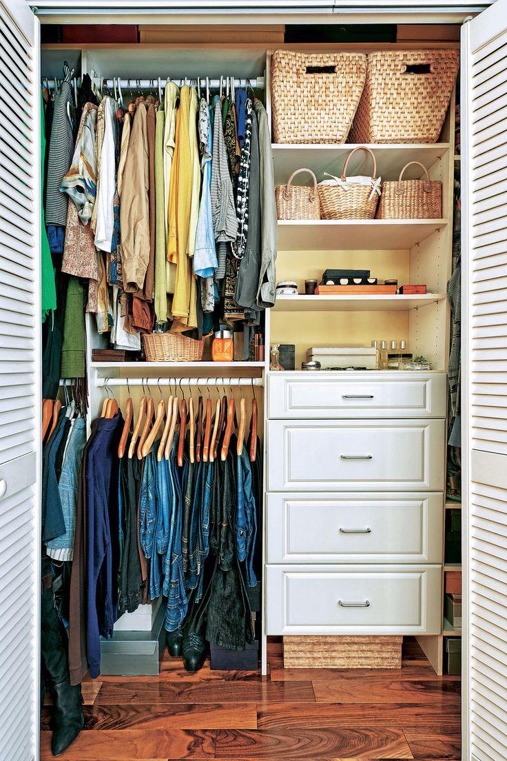 Как раскладывать вещи в шкафу: 5 советов. Если ты хотя бы раз в год выбрасываешь ненужные вещи в шкафу, знай: это хорошая привычка, но она еще не гарантирует порядок. Вот, что еще важно делать.