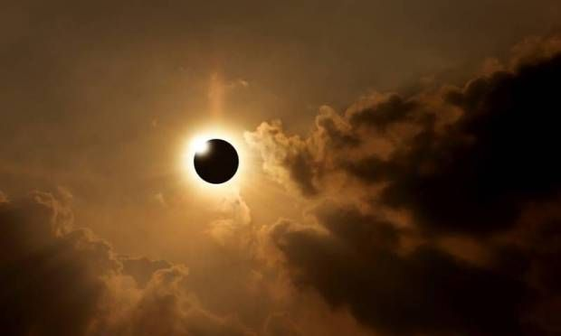 Güneş tutulması ve Yeni Ay'ın burçlara etkileri - 29 Nisan'da gerçekleşecek bu olaylar sizi nasıl etkileyecek? http://www.hurriyetaile.com/sizin-icin/astroloji/gunes-tutulmasi-ve-yeni-ayin-burclara-etkileri_13223.html