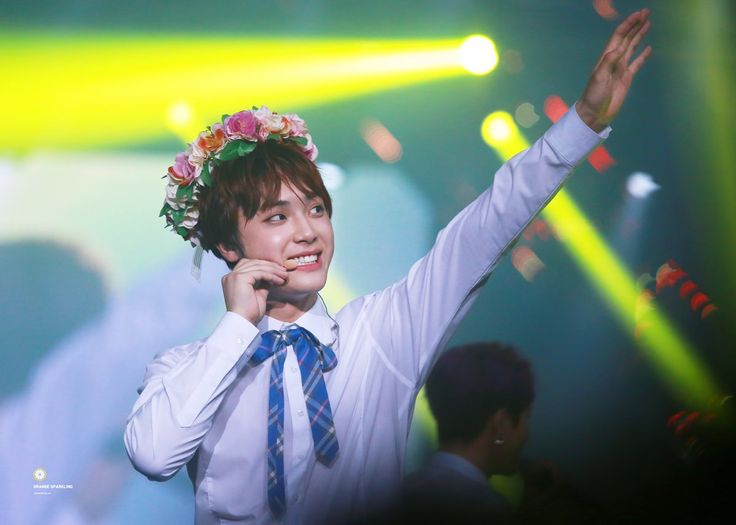 Joo Hak Nyoen 주학년 오렌지 스파클링 ❄️ (@JUHAKNYEON_net)