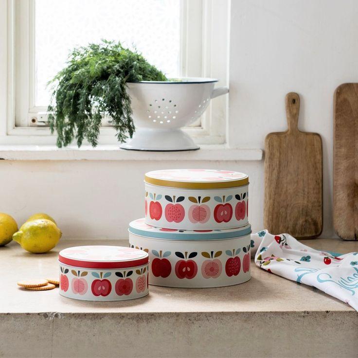 Set Of 3 Vintage Apple Cake Tins (2)