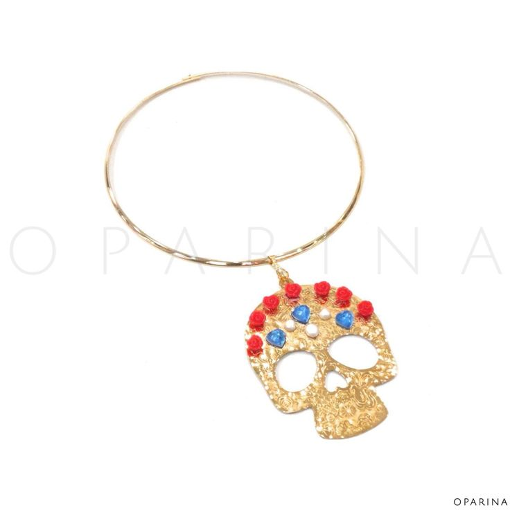 Collar de Catrina con Rosas y Perlas de Agua Dulce en Oparina. #oparina #skull #catrina #katrina #handmade #gypsy #boho #bohochic  #madewithstudio