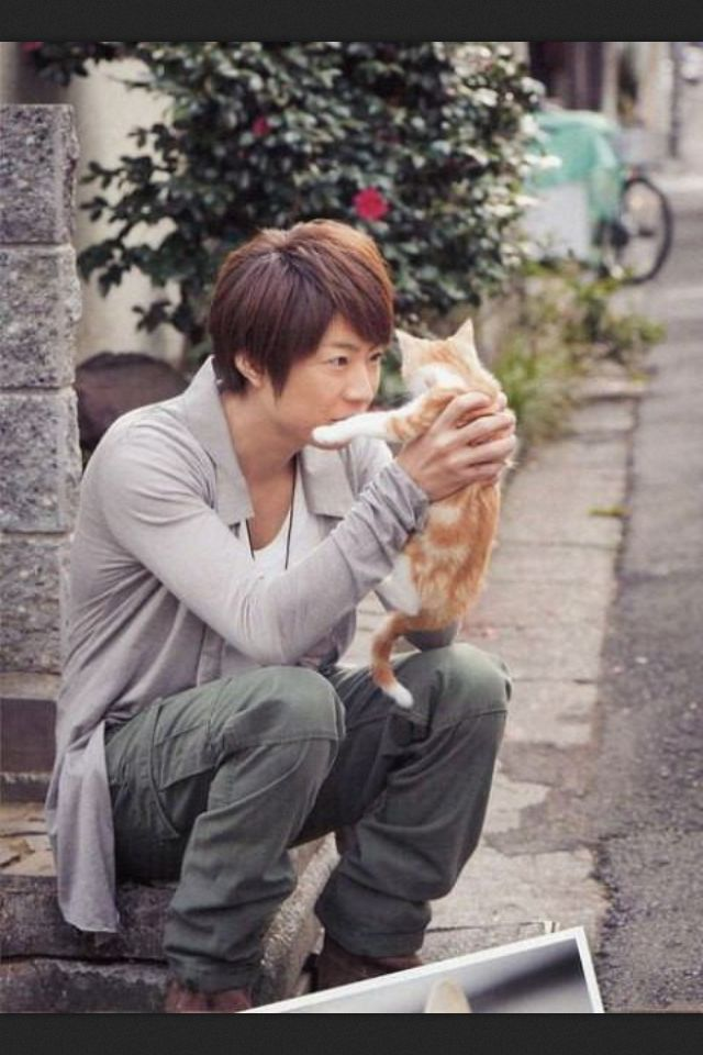 Arashi! Aiba+kitten too cute!!