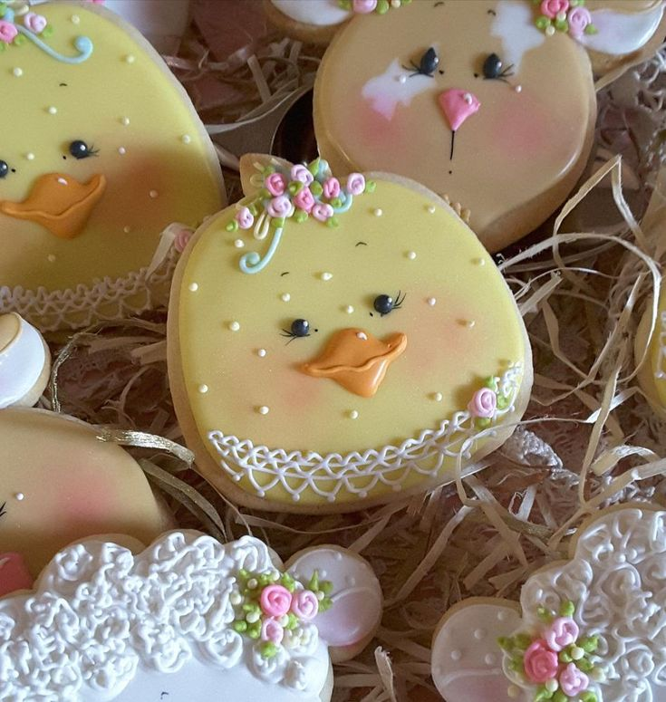 Farm chick cookies decked out in roses and lace; cookie artist Teri Pringle Wood