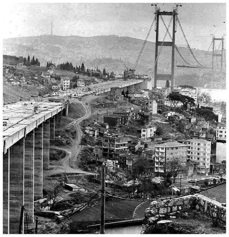 Boğaziçi Köprüsü yapılırken 1971