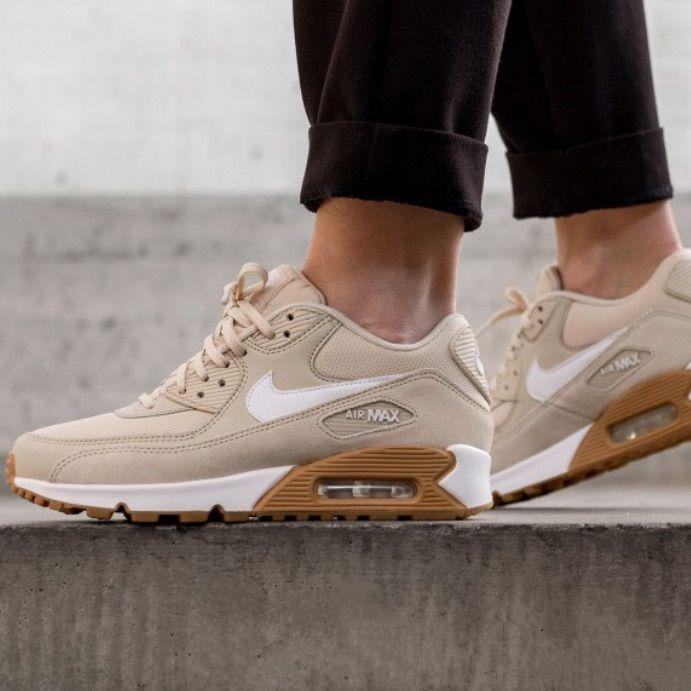 Tan nike shoes, Nike air max
