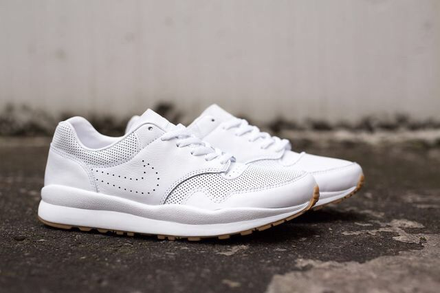 "Nike Air Safari Deconstruct ""White / Gum"""