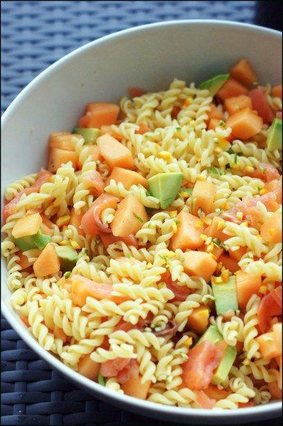 Salade de pâte saumon, melon et avocat