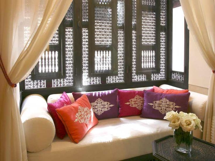 1000 images about islamic interiors mashrabiya screens shebeke jali on pinterest roof - Salon oriental design ...
