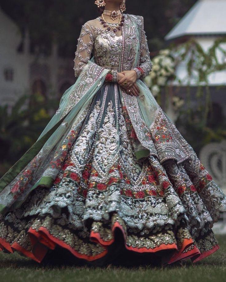 To order this dress please DM or email at divinedesigns@live.com/divinebridals@icloud.com or whatsapp +923242500787 #nikah#reception#bridalmua#uaemoms#londonmua#pakistaniindenamark#ukbride#indianwedding#elancouture#farazmanan#elanbridal#nomiansari#destinationwedding#farahtalibazizdh#desicouture#sephora#mehendi#dubaifashion#sangeet#lehengacholi#sabyasachi#pakistanibride#valima#bridalshower#bridesmaids#indianwedding