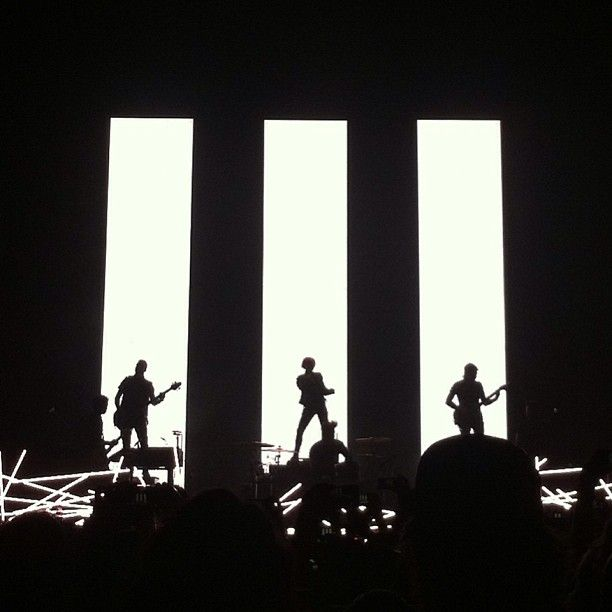 Paramore Band Symbol | Paramore. An inspiration to me, particularly this image, the 3 bars ...