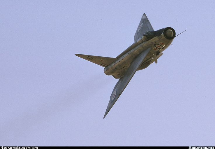Royal Air Force English Electric Lightning F1A aircraft picture