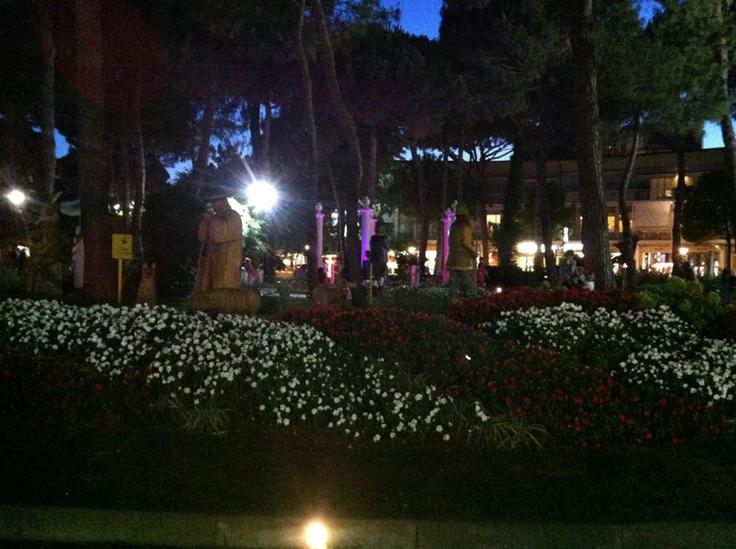 Milano Marittima di sera... - Milano Marittima in the night..  http://www.mimaclubhotel.it/it/