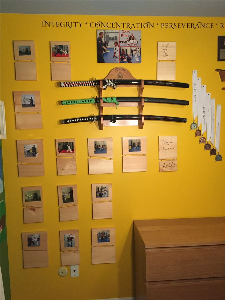 Display for karate board breaks   Ideas for Daddy   Karate ...