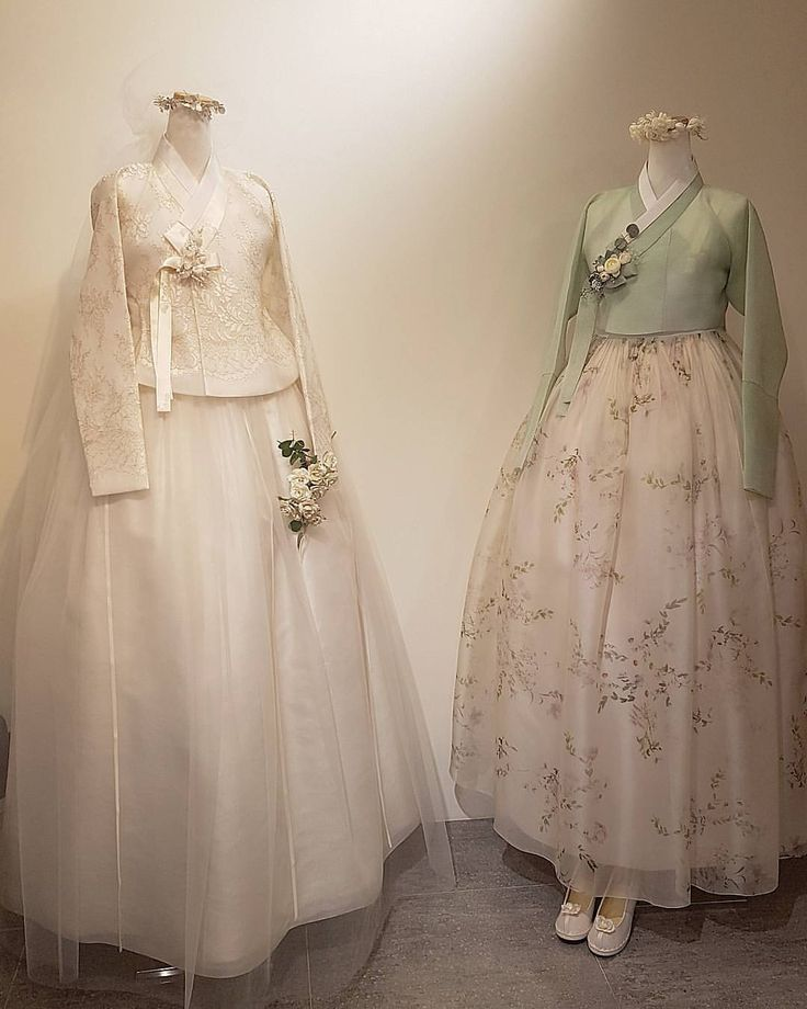 ㆍ ㆍ ㆍ ㆍ 작은차이 ㆍ 한복더단 ㆍ ㆍ ㆍ ㆍ ㆍ ㆍ ㆍ ㆍ ㆍ #더단풍경 #신부한복 #결혼한복 #웨딩한복 #맞춤한복 #결혼준비 #웨딩촬영 #웨딩스냅 #모던#한복 #더단한복 #한복더단 #beautiful #weddingdress #hanbok #thedan #mellow #flower #love #view