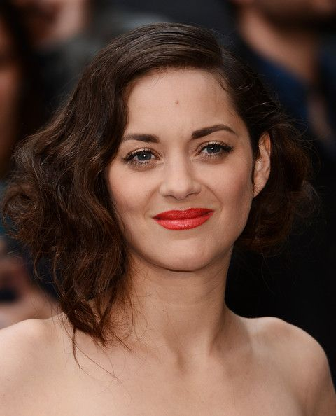 Marion Cotillard and the red lip....also those vintage waves...