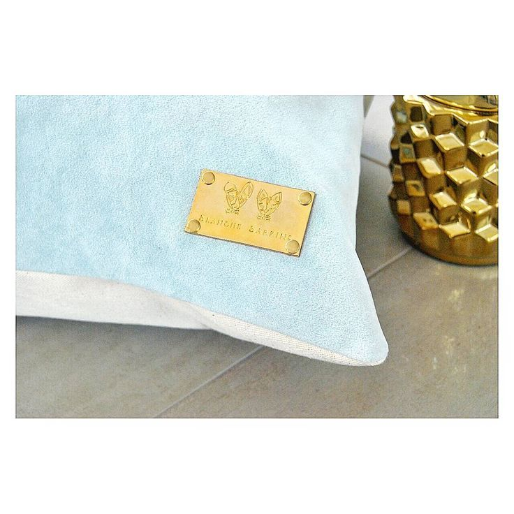 Pet bed cushion cats dogs home design living room pets lover gift branding velvet blanche Barkins tag gold