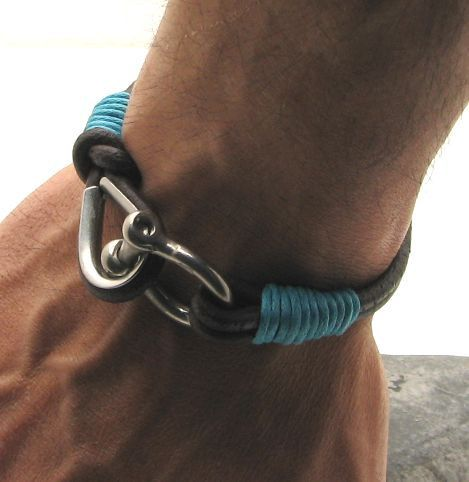 FREE SHIPPING Men's leather bracelet Brown leather cord men's leather bracelet with horseshoe clasp on Etsy, R$72,18