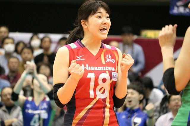 Pin By Pin Interest On Hisamitsu Spring Volleyball Club Volleyball Clubs People Sports Jersey