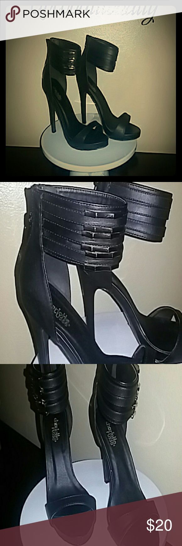 💕SOLD💕Charlotte Russe Heels Wore one time to Las Vegas for a couple of hours. In excellent shape! The gold accent gives it a very sophisticated touch ? Charlotte Russe Shoes Heels
