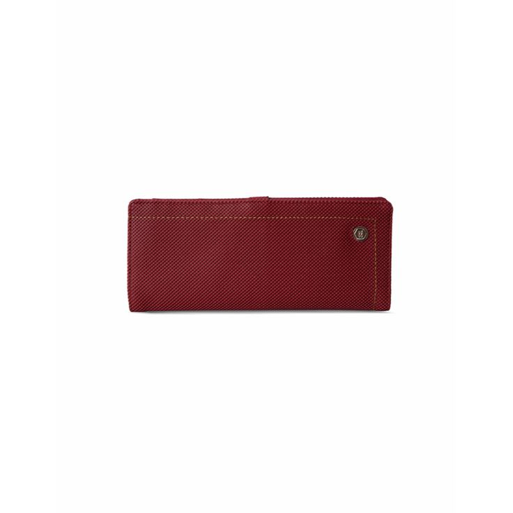 Carry this versatile credit card holder made of cruelty free leather in a brown shade with spacious compartments to put in a few vital essentials a must have in your wadrobe. Check it out - https://acebazaar.in/product/baggit-cch-magna-goblin-maroon-l/