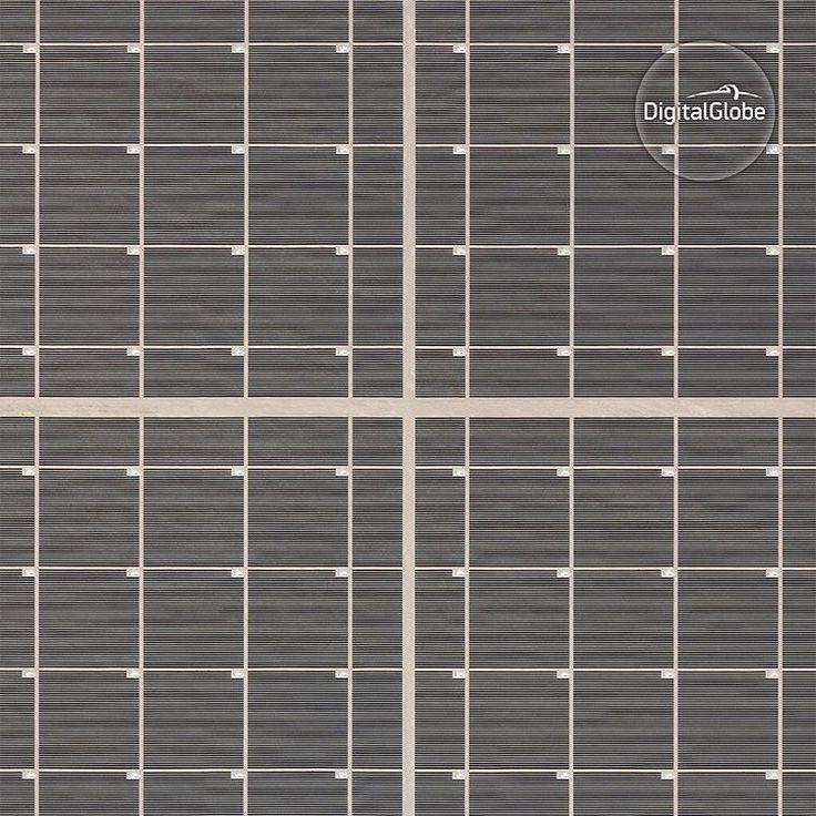 いいね!611件、コメント3件 ― DigitalGlobeさん(@digitalglobe)のInstagramアカウント: 「Nevada Solar One is a concentrated solar power plant, with a nominal capacity of 64 megawatts,…」