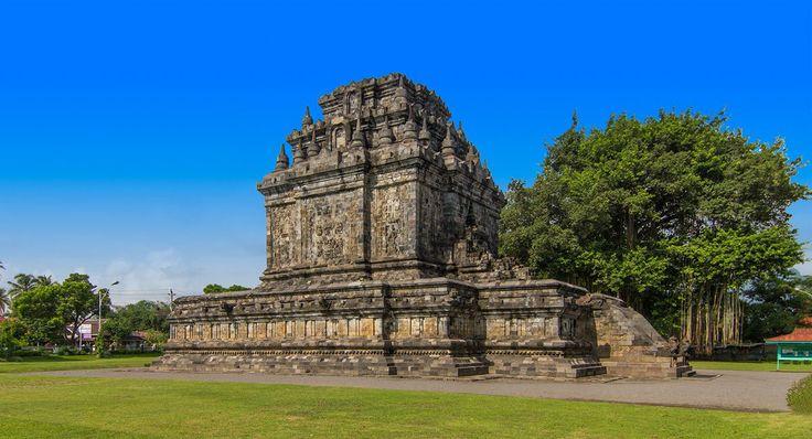 Mendut Temple, Central Java Buddhist Temples - Yogyakarta Places of Interest