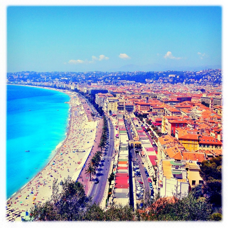 Things to do in Nice:  Visit Le Chateau to enjoy the view of the whole city (where the picture above is taken), there is also a nice park and a playground on the top (didn't see the castle / Chateau though…). If you don't feel like walking up, you can take the elevator (free + no line when I went there!).