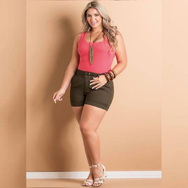 @quintessoficial  #ludimillaholanda #curvy #curvygirl #amazing #plusgirl #plussize #fashion #look #love #moda #model #modagg