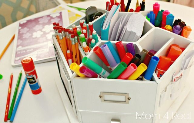 Back to School: supply carousel for pens, pencils, markers, and more! Kids can take what they need, and clean up is a snap
