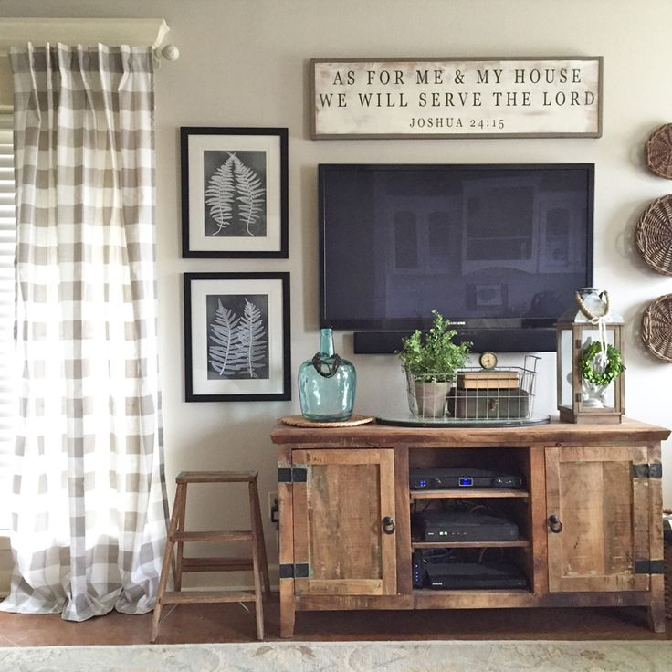A home tour of Our Vintage Nest including entry, living room, dining and master bedroom.