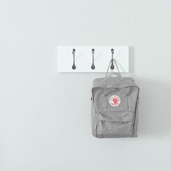 Fjallraven Kanken Classic Backpack in Fog Grey. Mine came from fjallraven.com! <3