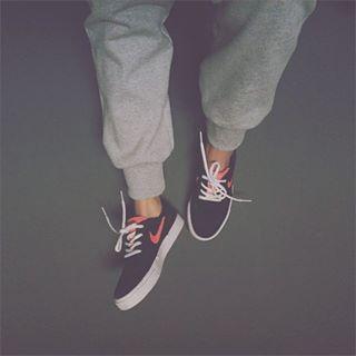 Moletom cinza = amor. | 14 imagens que vão te fazer sentir coisas se você ama roupas cinza