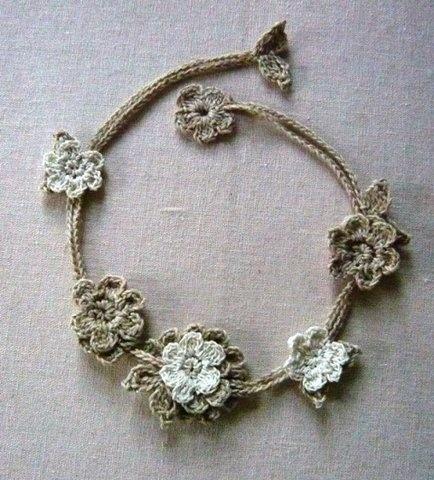 Вязаное ожерелье