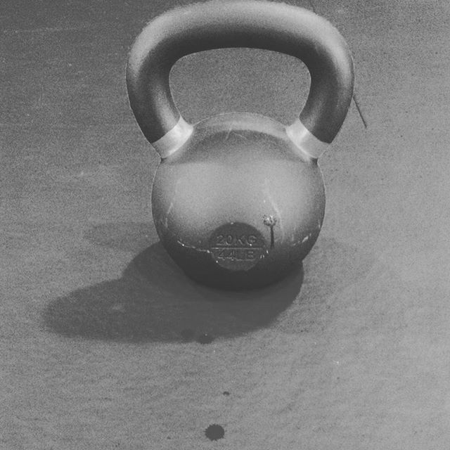 20 KG | 44 LB Powder Coat Kettlebell