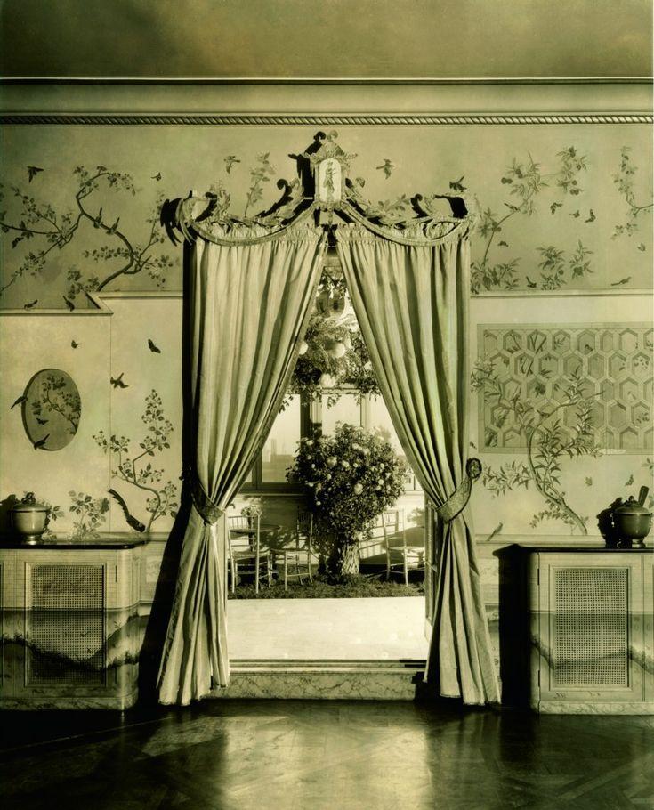conde nast's ballroom by elsie de wolfe: Elsiedewolf, Ballrooms, Gardens Wall, Parks Avenu, 1040 Parks, Elsie De Wolf, Condé Nast, Chine Wallpapers, Master Bathroom
