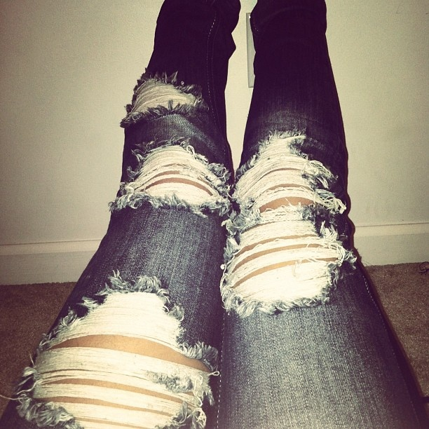 I love ripped jeans like these