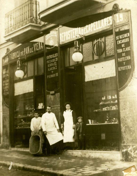 Pastelería Viena Capellanes de calle Marques de Urquijo. 1900 Madrid