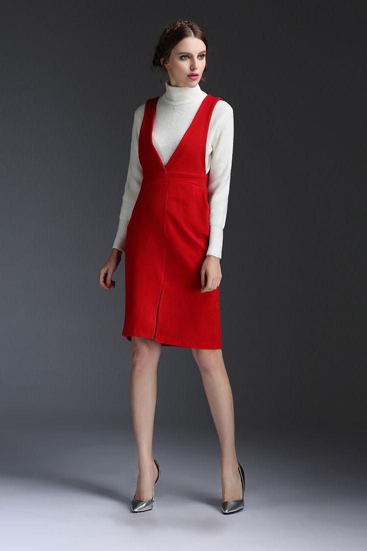 Pentru o #tinuta #office, alege-ti un set format din #pulover si #rochie din lana, o combinatie #fashion ce iti ofera un aer impunator.